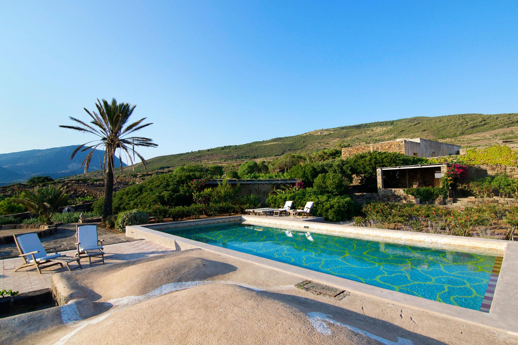 Tenuta borgia dammusi pantelleria - Dammusi con piscina pantelleria ...